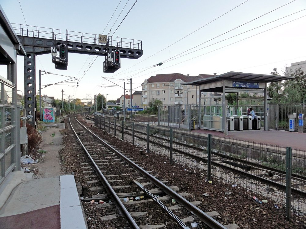 Gare_de_Sarcelles_-_Saint-Brice_02.jpg