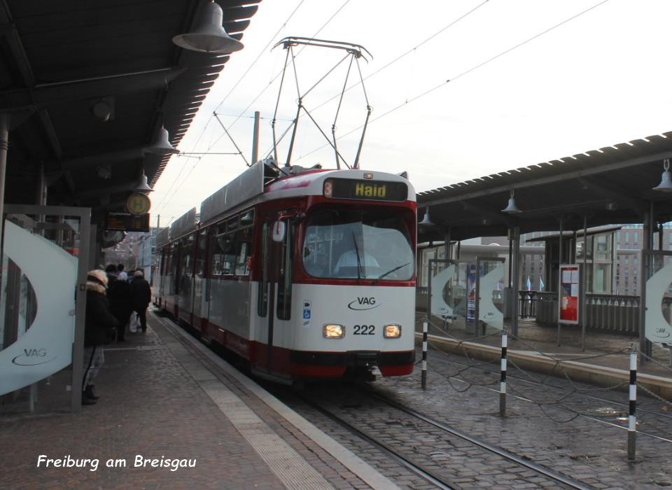 Tram 02 Freiburg am Breisgau 5.12.jpg