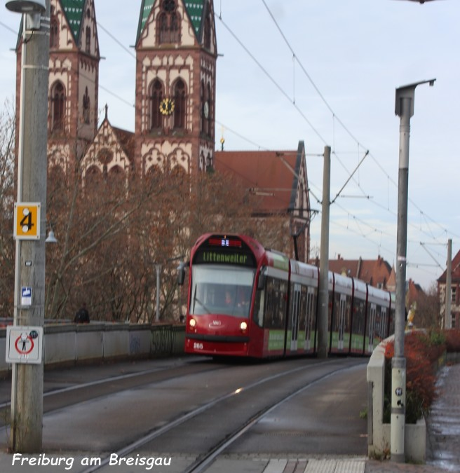 Tram 011 Freiburg am Breisgau 5.12.jpg